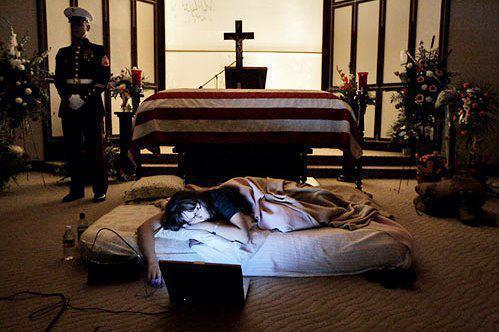 Johnny Cash Open Casket Being watched over by a marine �